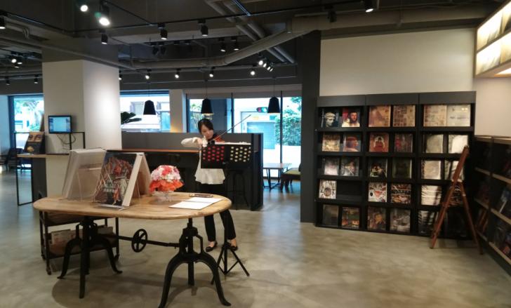 """ร้านหนังสือ """"อ่านฟรี"""" ของดีๆ ที่ไต้หวัน"""