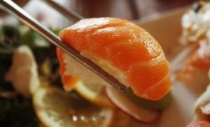 เข้าใจเสียใหม่ แซลม่อนซูชิไม่ใช่อาหารญี่ปุ่น