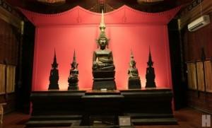 ชมพิพิธภัณฑ์พระพุทธรูปไม้ที่ดีที่สุด วัดศรีดอนคำ อ.ลอง แพร่
