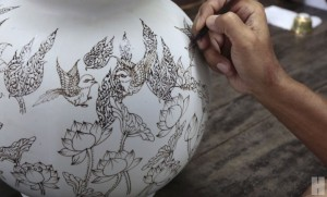 ไปวาดถ้วยเบญจรงค์-ชิมของอร่อยที่สุพรรณบุรี