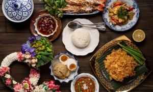 เดินทางย้อนอดีตผ่านเมนูอาหารไทยต้นตำรับในอาคารอายุกว่า 100 ปี ริมเจ้าพระยา