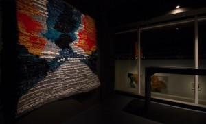 เพลินจันทร์ วิญญรัตน์ ศิลปินผู้ถักทอขยะจากทะเลสู่งานศิลปะความหมายลุ่มลึก