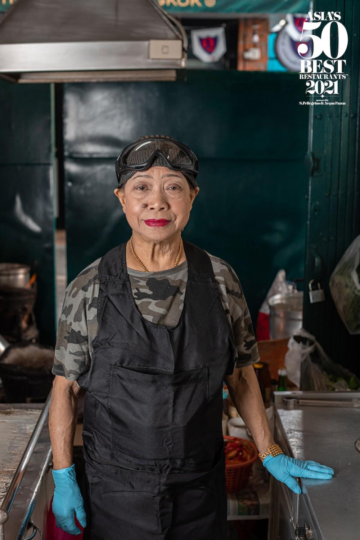 "Bangkok's Street Food Queen ""Jay Fai"" Named Winner of the Prestigious Icon Award – ASIA 2021"