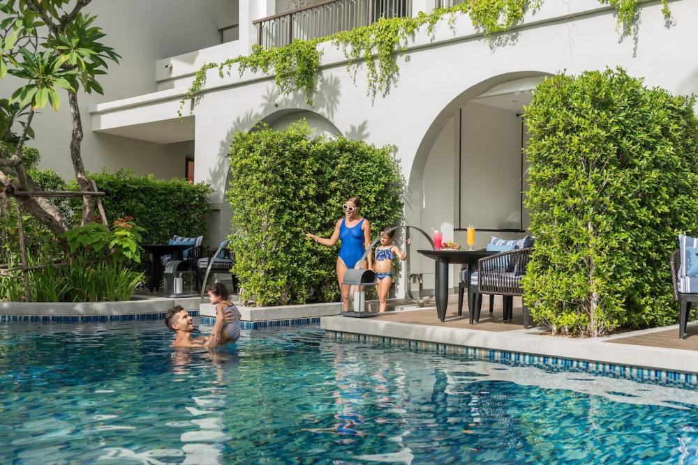 Melia Samui Island Pool Access room